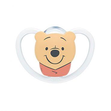 Nuk Space Winnie the Pooh Πιπίλα Σιλικόνης Χωρίς Κρίκο Λευκό 6-18m 1 τεμ - Αξεσουάρ για Μωρά στο Pharmeden.gr - Online Φαρμακείο