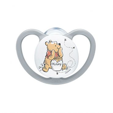 Nuk Space Winnie the Pooh Πιπίλα Σιλικόνης Χωρίς Κρίκο Γκρι 6-18m 1 τεμ - Αξεσουάρ για Μωρά στο Pharmeden.gr - Online Φαρμακείο